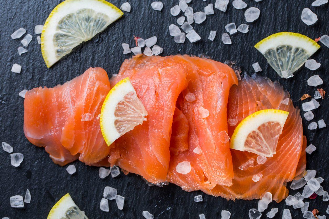 Come conservare il salmone affumicato: trucchi e consigli per farlo durare a lungo