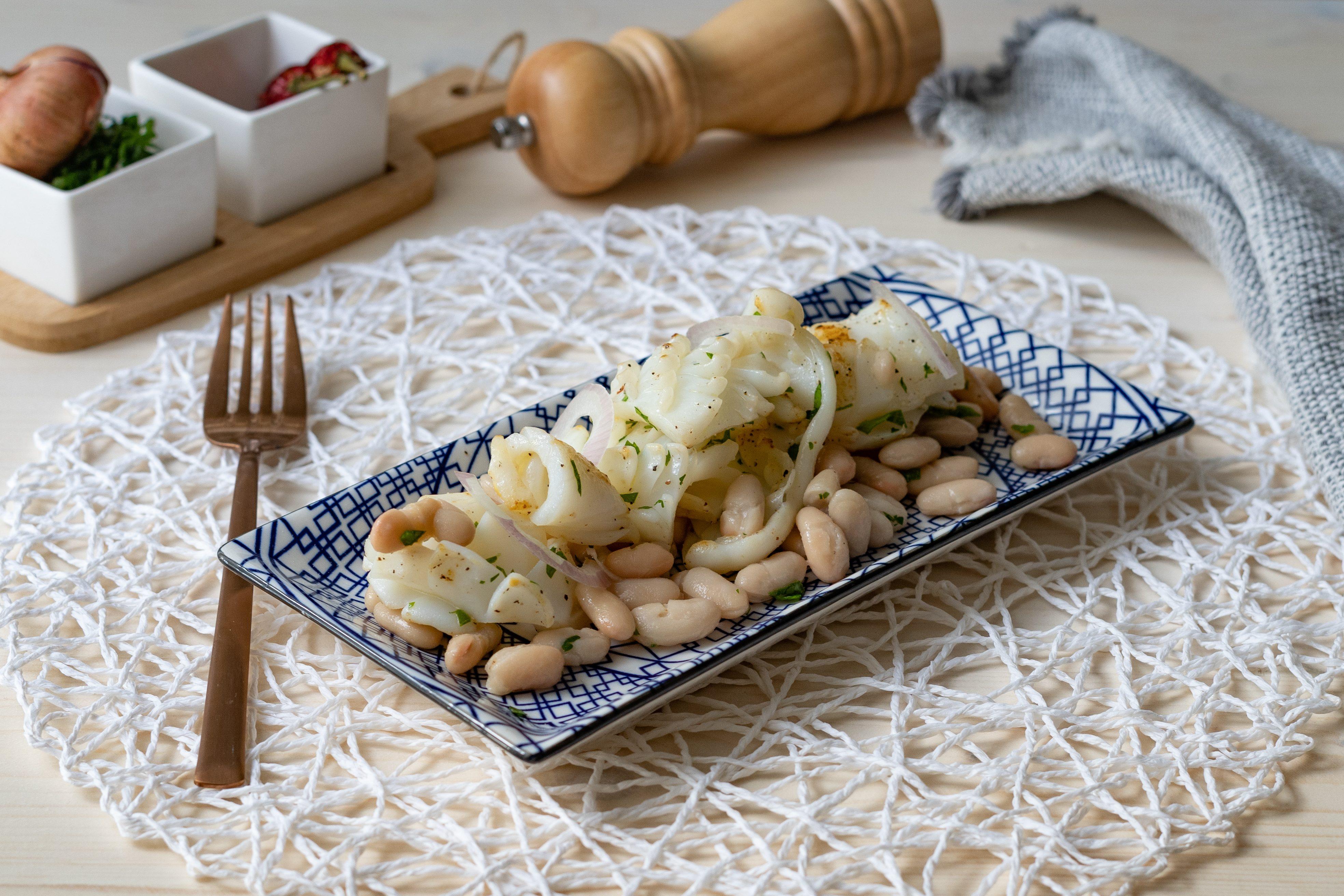 Seppie e fagioli: la ricetta del piatto semplice e saporito