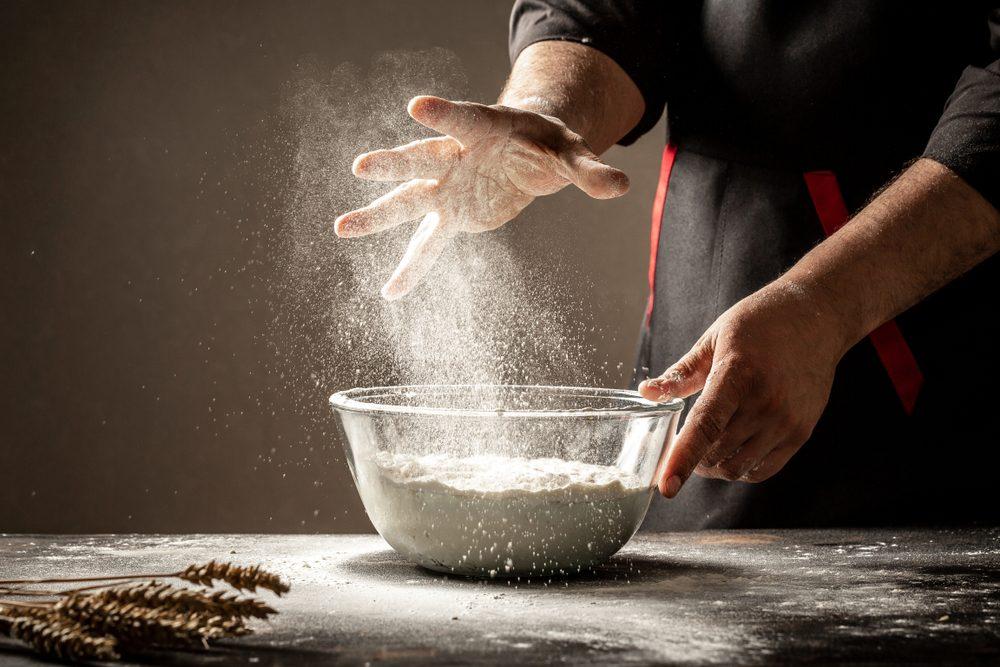 Gli strumenti del fornaio: 9 utensili che dovreste avere se amate impastare