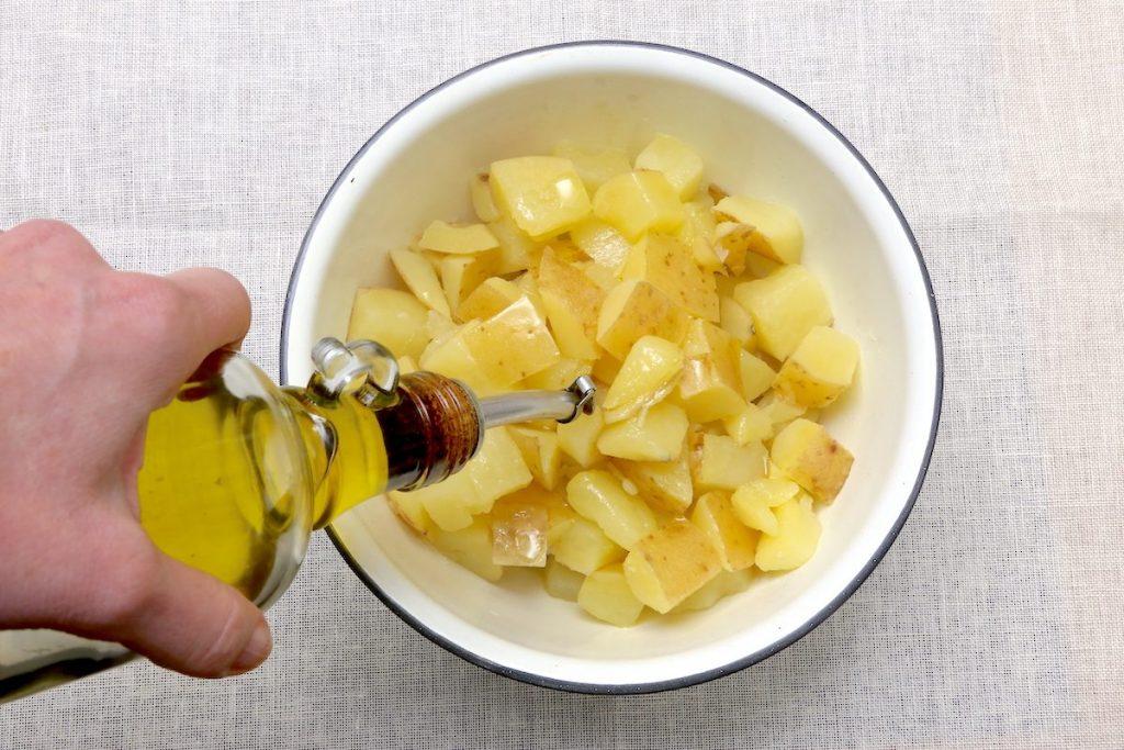 2_condite le patate lesse_patate Parmigiano e prezzemol©Gooduira lab