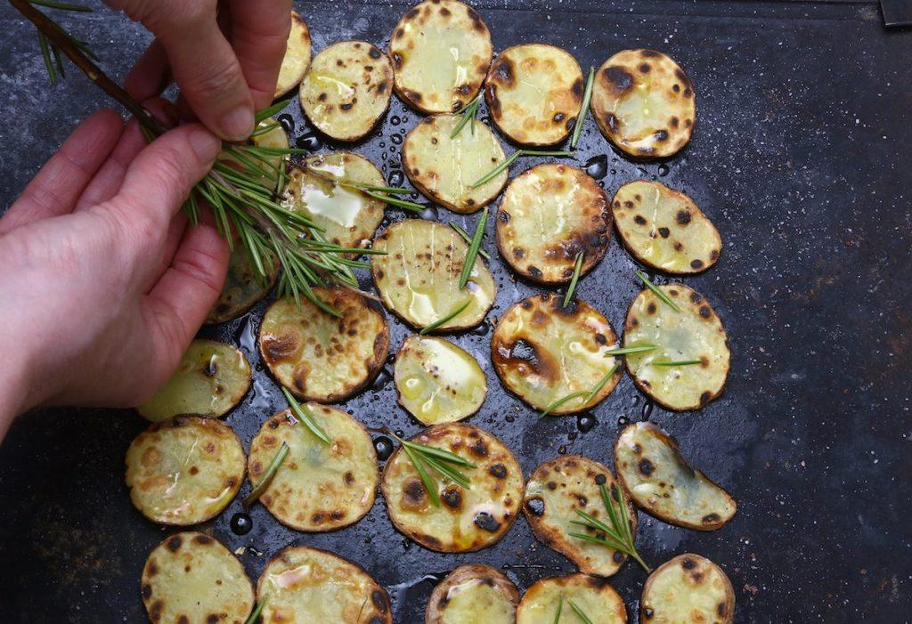 7_aggiungete rosmarino_patate alla piota©Gooduria lab
