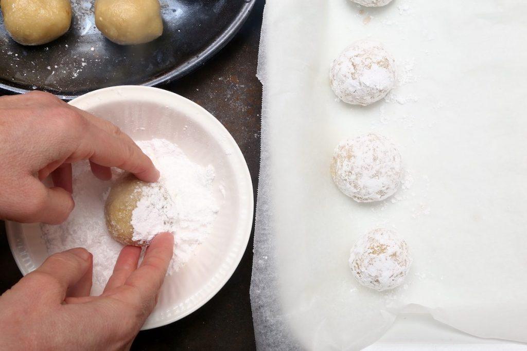 7_palline nello zucchero a velo-biscotti senza farina©Gooduria lab
