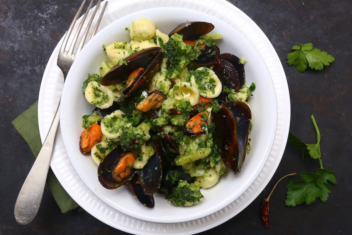 Pasta broccoli e cozze: la ricetta del primo piatto semplice e gustoso