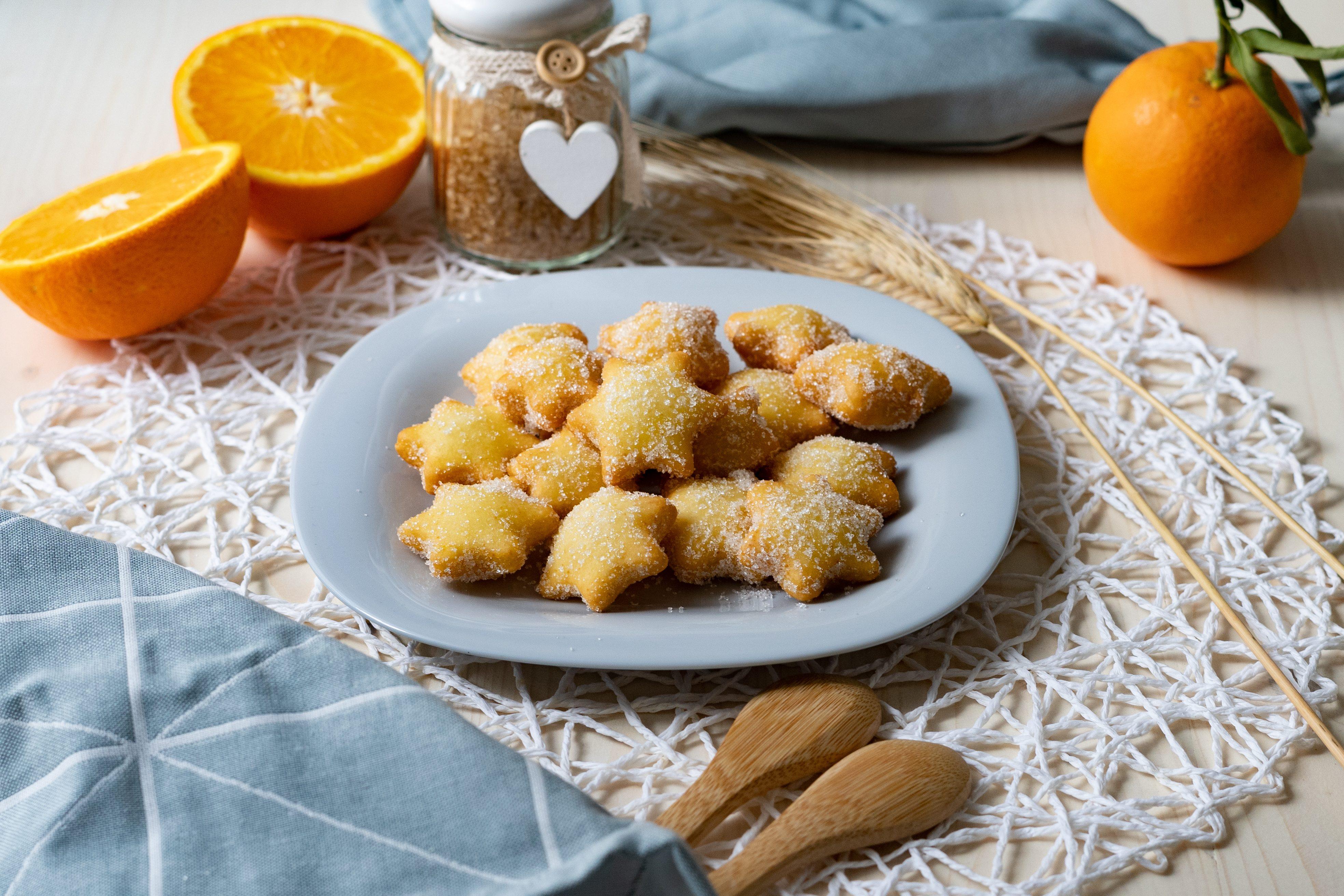Fiorellini di Carnevale: la ricetta dei dolcetti sfiziosi e golosi
