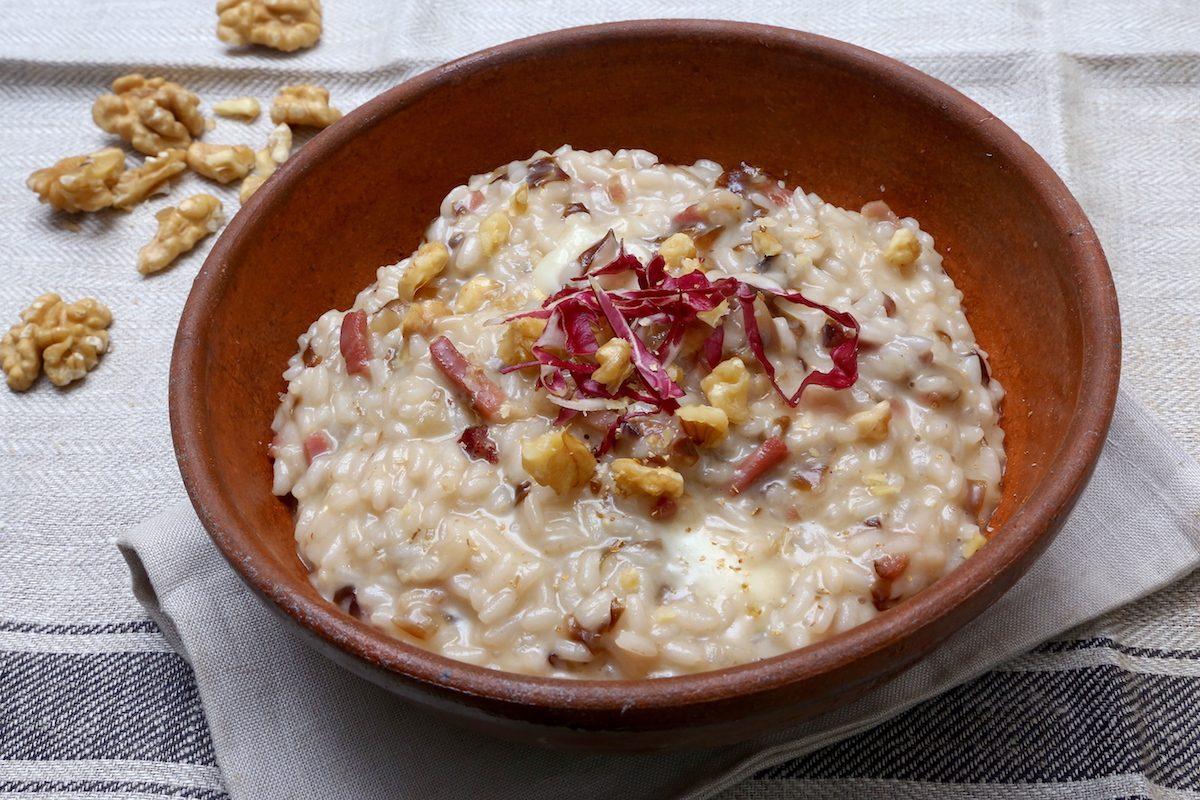 Risotto taleggio e speck: la ricetta del primo piatto ricco e cremoso