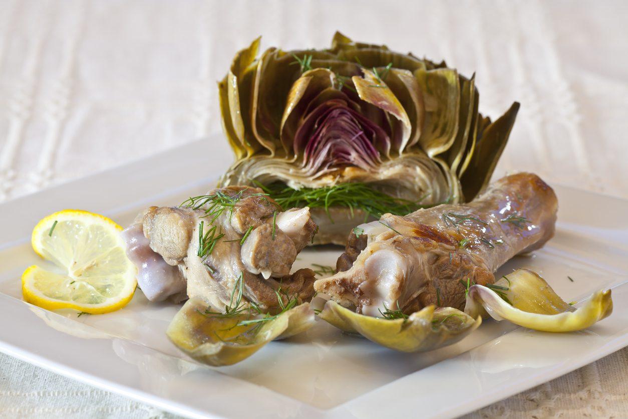 Agnello con carciofi: la ricetta del secondo piatto tenero e saporito