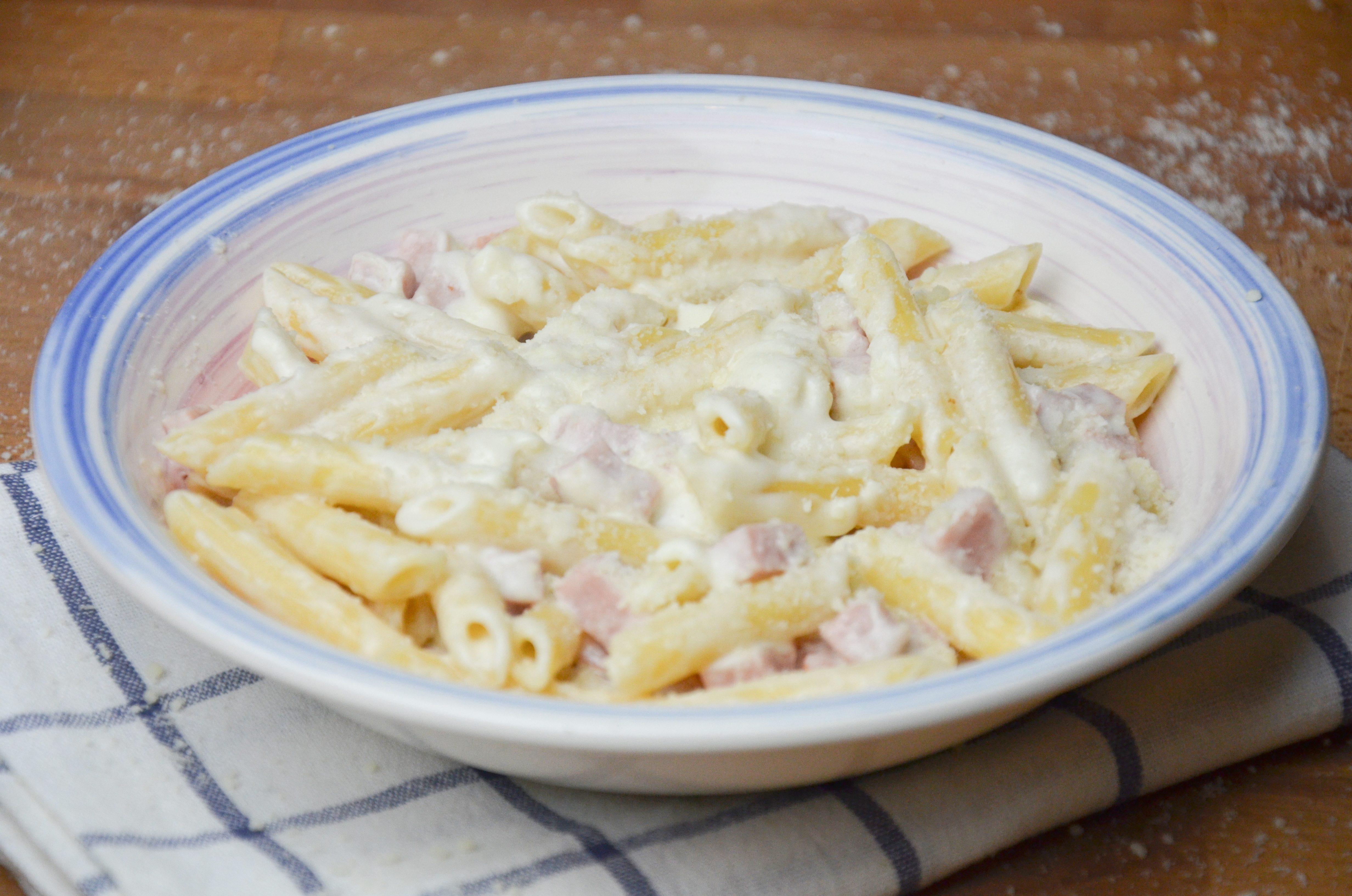 Pasta alla valdostana: la ricetta del primo piatto cremoso e saporito