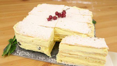 Millefoglie di crackers: la ricetta della torta veloce e deliziosa senza cottura