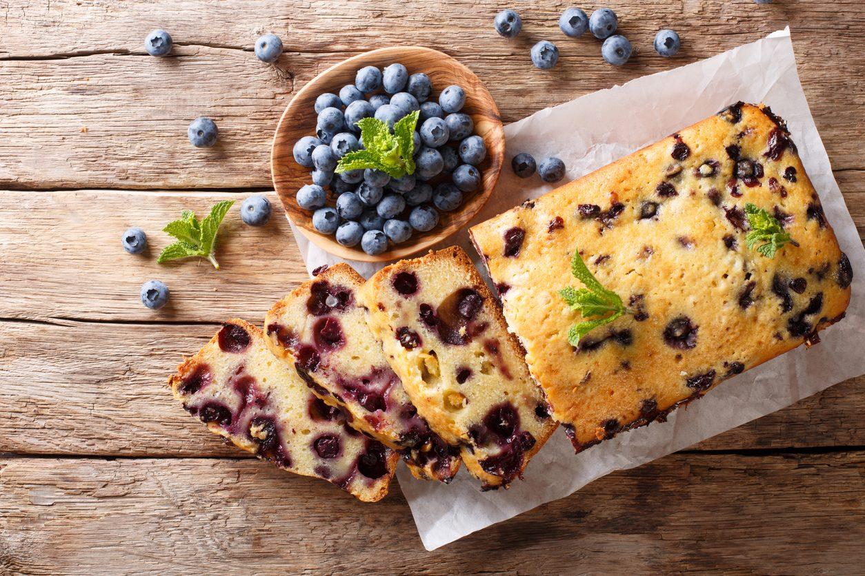 Plumcake ai mirtilli: la ricetta del dolce soffice e delicato perfetto per la colazione