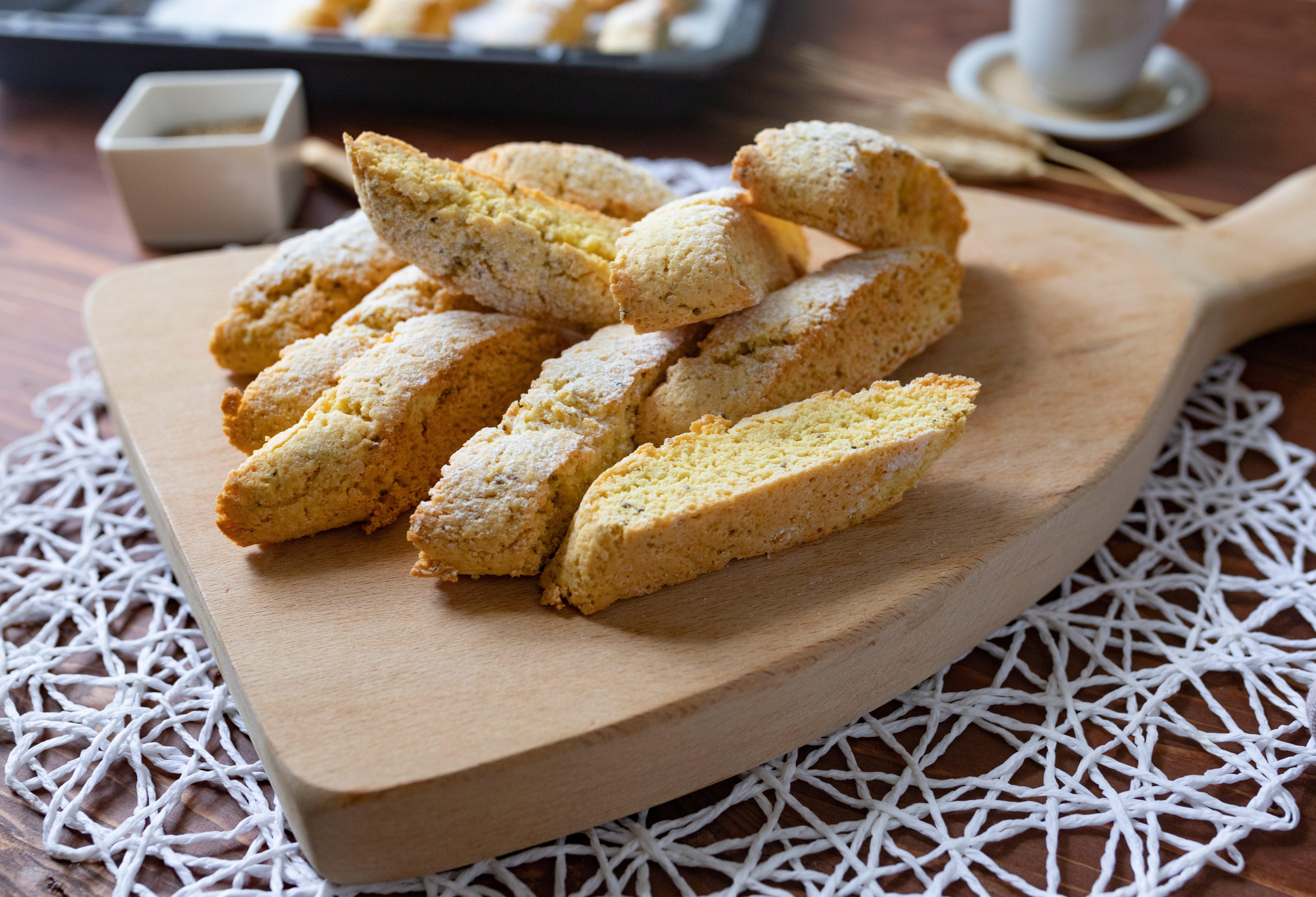 Biscotti all'anice: la ricetta dei dolcetti croccanti e profumati