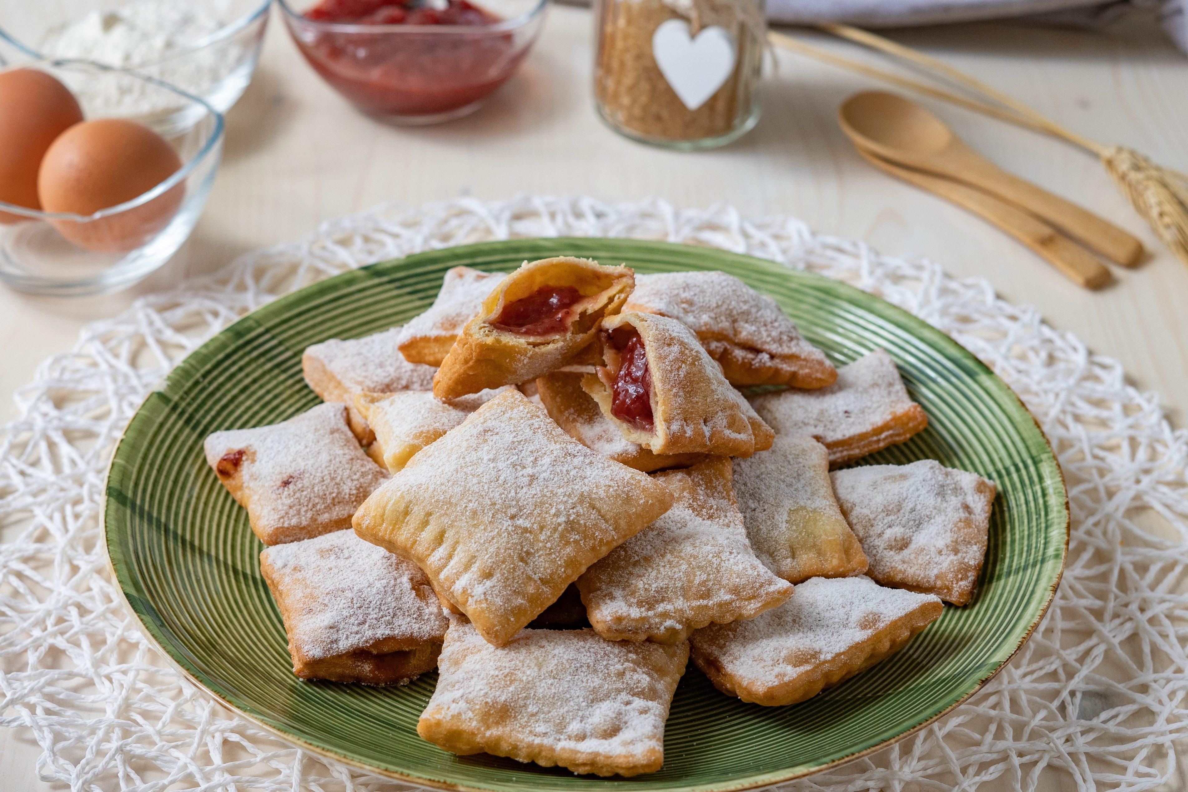 Bugie ripiene: la ricetta fragrante e dal cuore cremoso