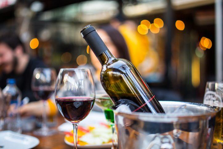 15 idee regalo originali e simpatiche per gli amanti del vino