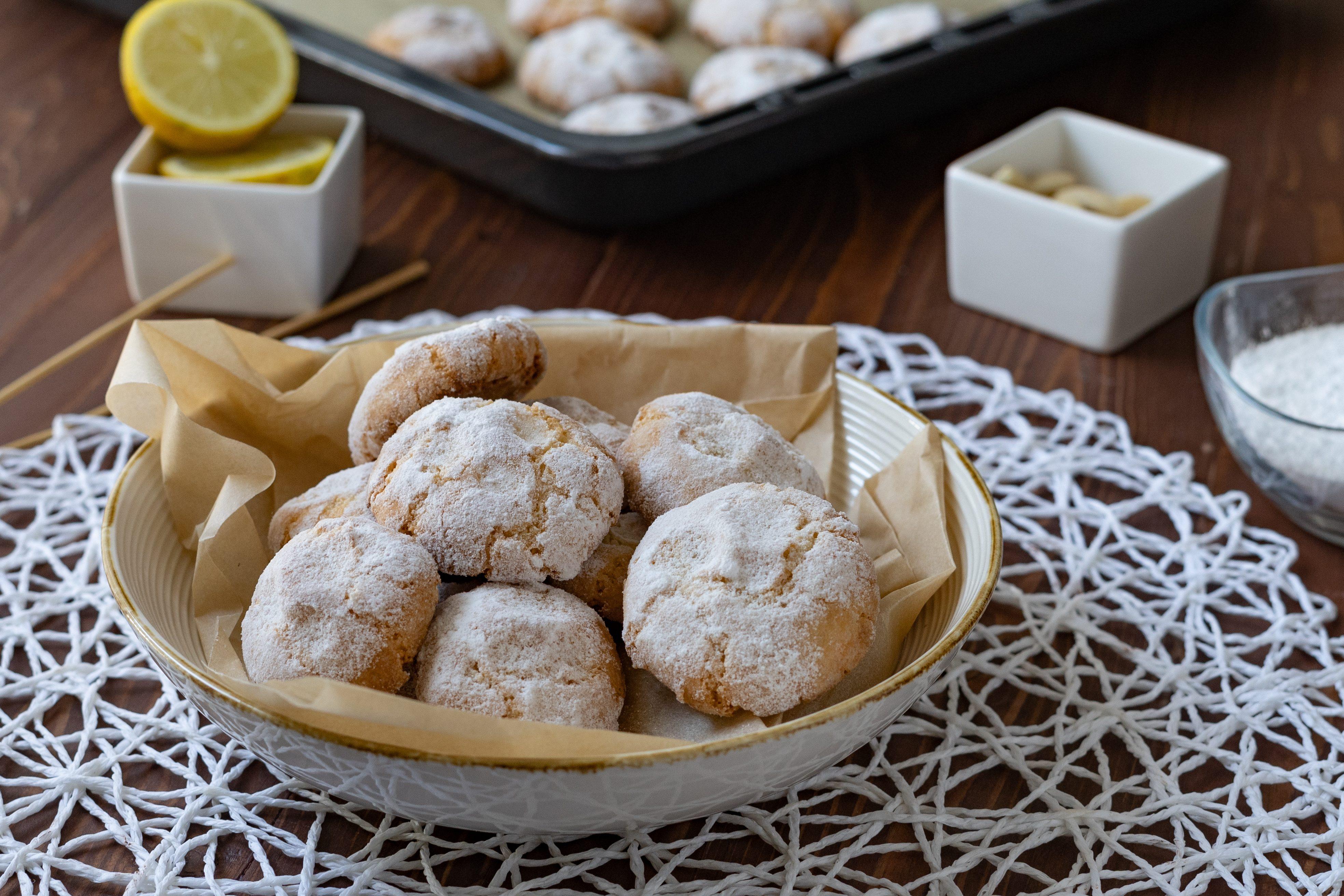 Pizzicotti di pasta di mandorle: la ricetta dei golosi biscottini siciliani