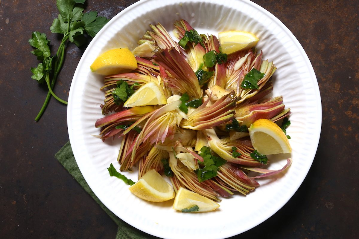 Carciofi marinati: la ricetta del contorno fresco e irresistibile