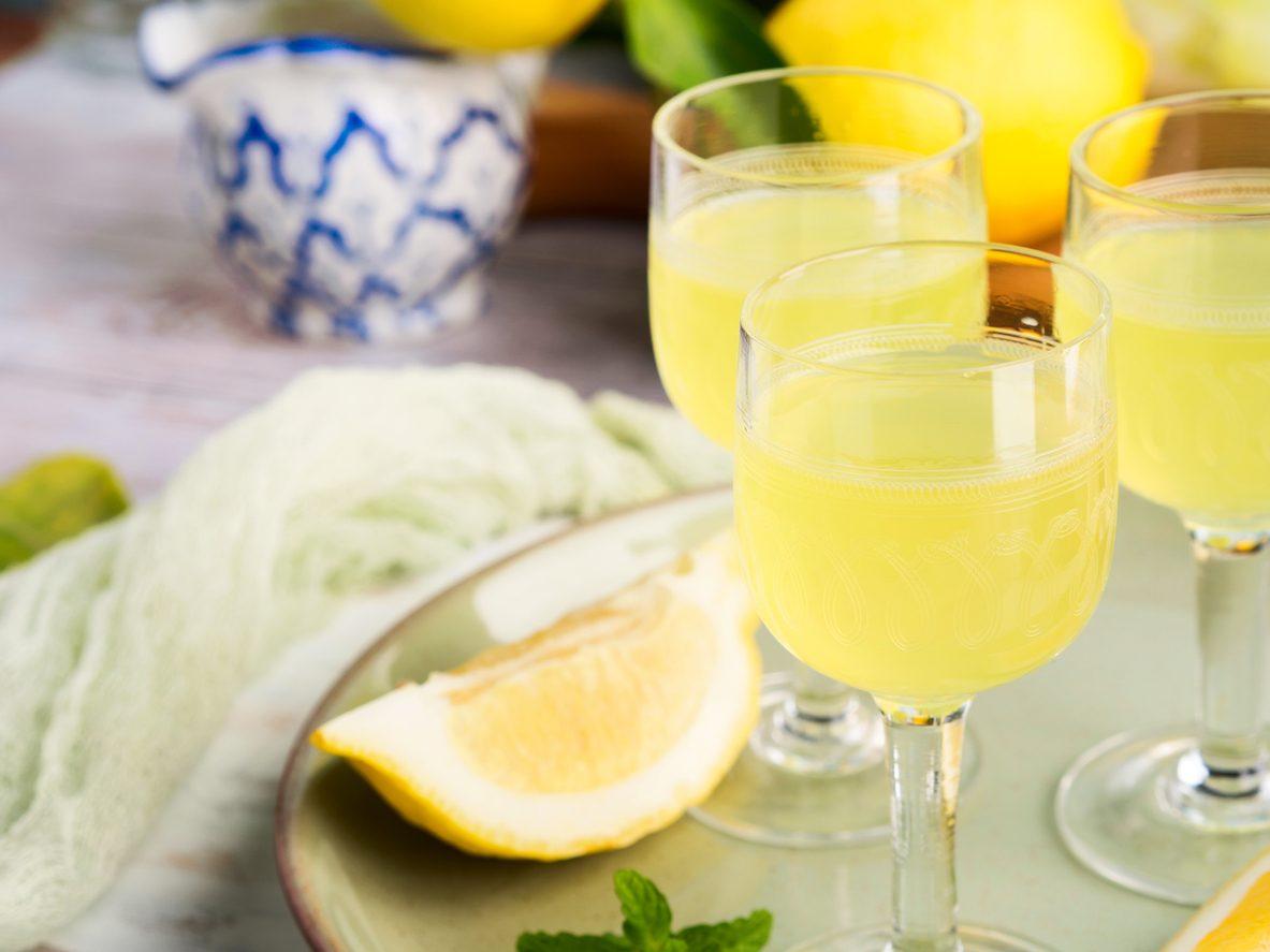 Liquore al cedro: la ricetta del digestivo delizioso dal sapore delicato