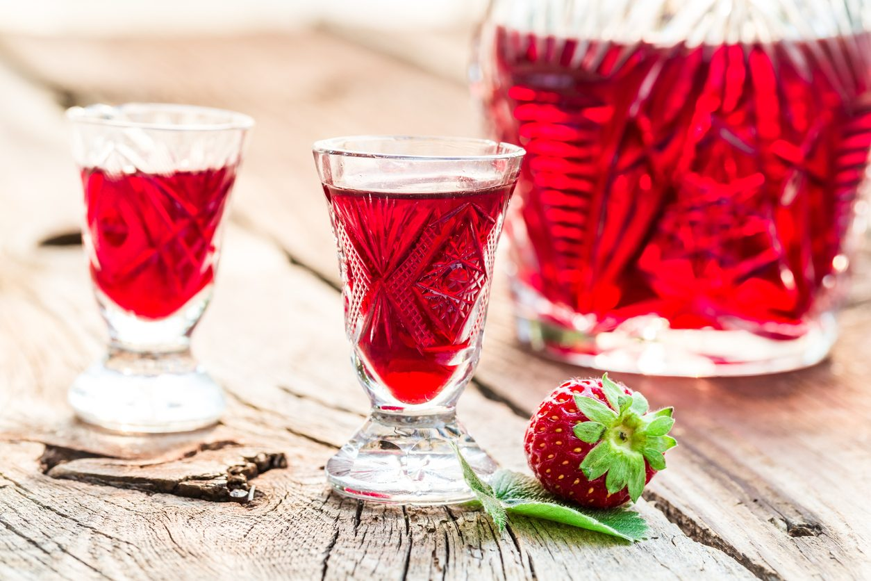 Liquore alle fragole: la ricetta del liquore di fine pasto profumato e delizioso