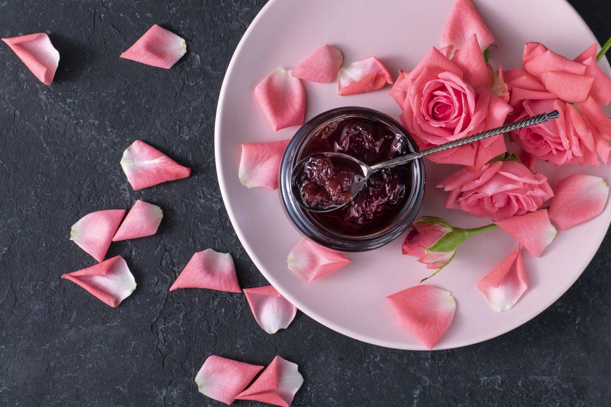 Marmellata di rose: la ricetta della confettura di petali di rosa dolce e profumata