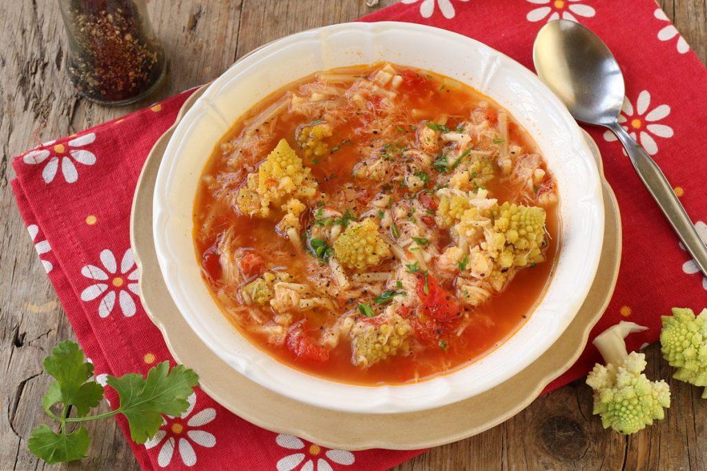 servire la minestra di broccoli e arzilla