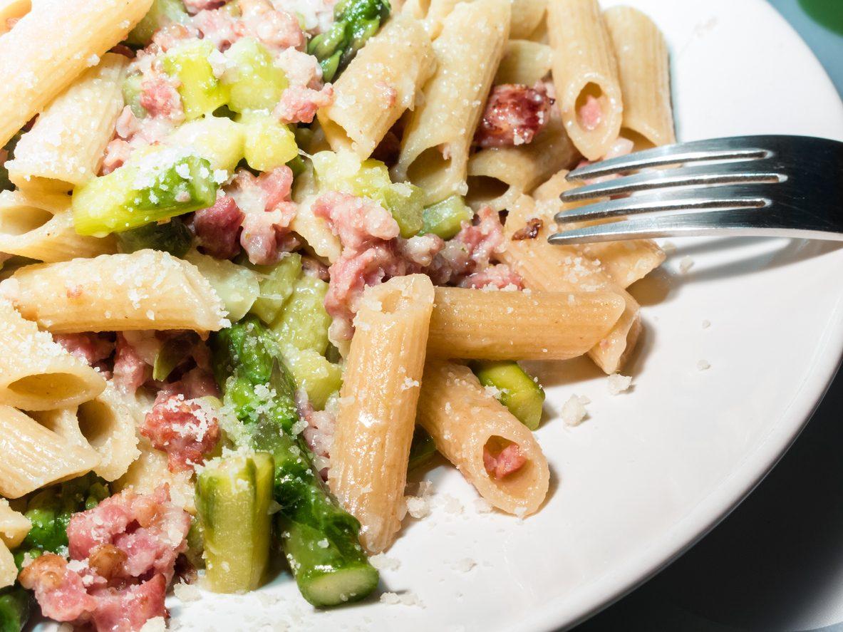 Pasta asparagi e salsiccia: la ricetta del primo piatto semplice e saporito