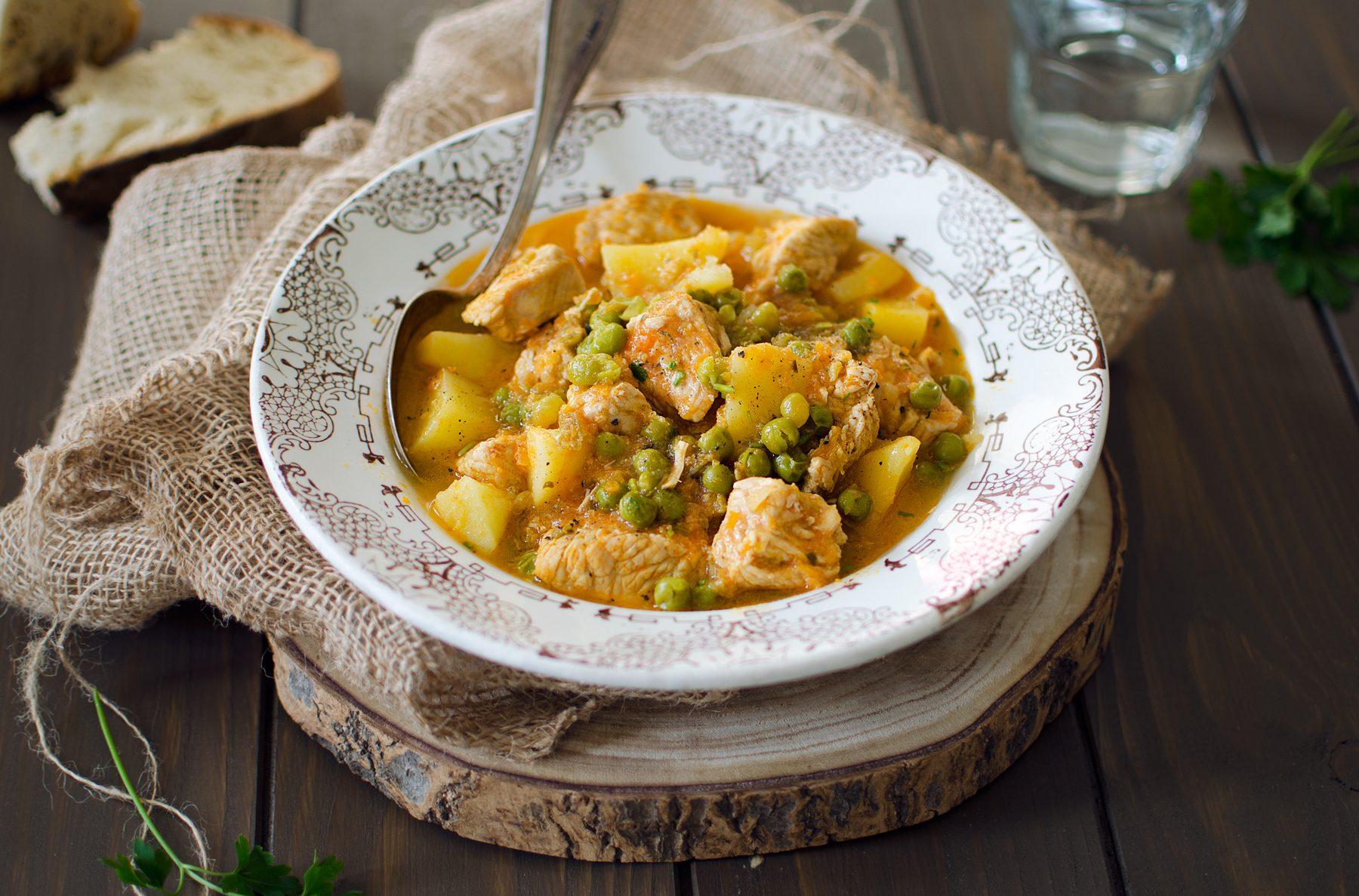 Spezzatino di tacchino e piselli: la ricetta del piatto semplice e gustoso