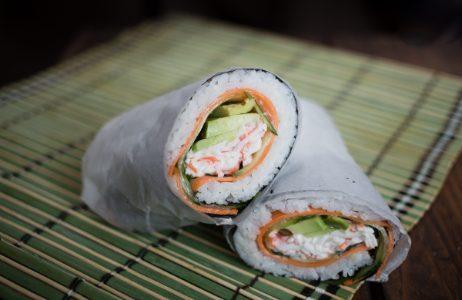 Sushi burrito: la ricetta sfiziosa che unisce sushi giapponese e burritos messicani