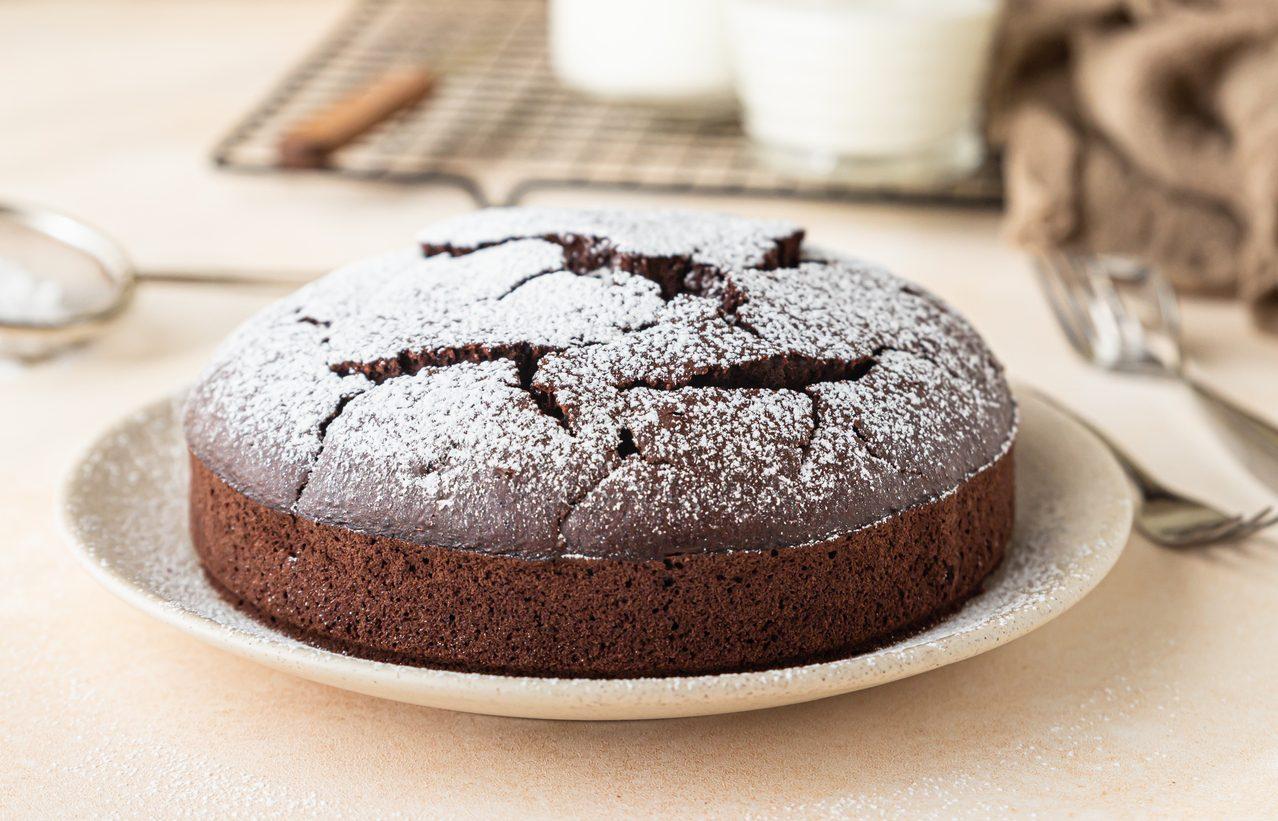 Torta nuvola nera: la ricetta del dolce al cioccolato sofficissimo e goloso