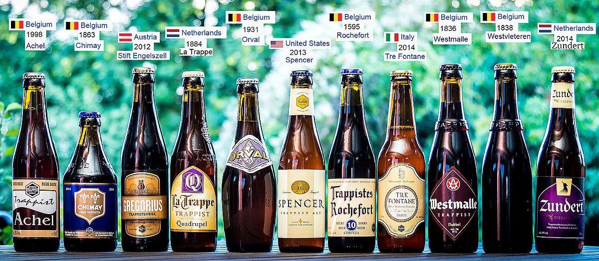 Undici delle dodici birre trappiste. Da gennaio la Achel ha perso il marchio. Foto di Philip Rowlands
