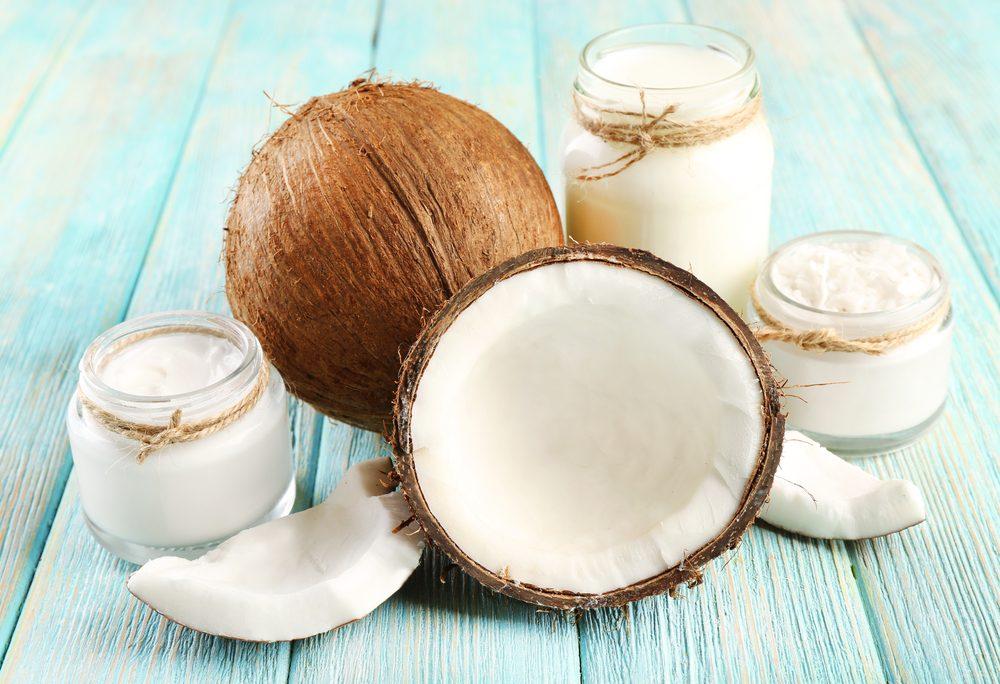 Polpa, olio, acqua, latte, farina: tutti i modi in cui usare le noci di cocco in cucina