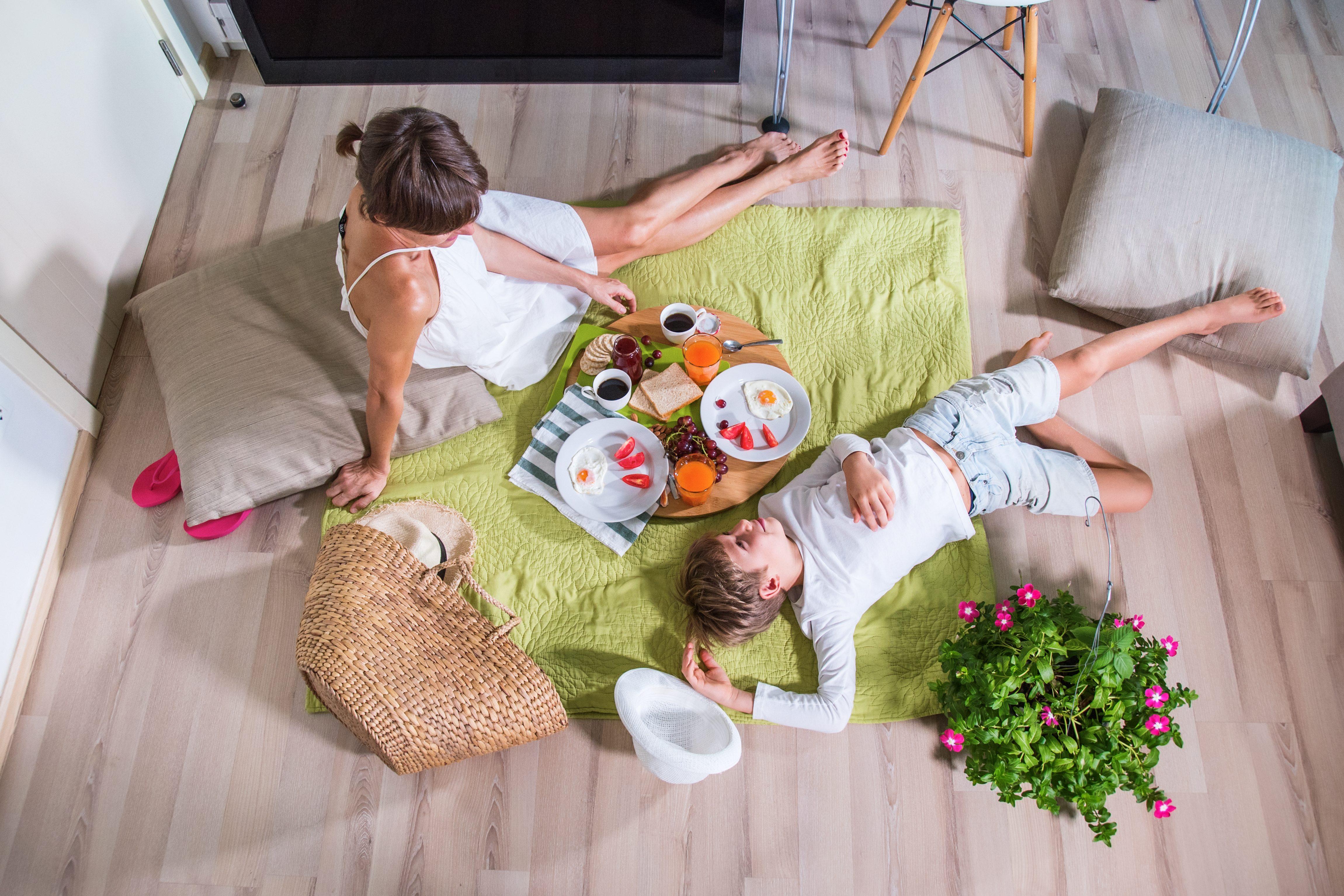 Pasquetta a casa: tutti i consigli per organizzare il picnic casalingo