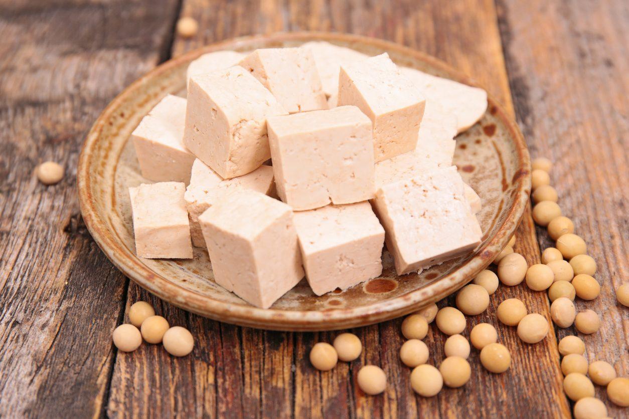 Tofu: cos'è, quali sono le sue caratteristiche e come è possibile valorizzarlo in cucina