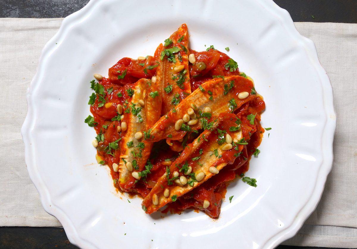 Gallinella di mare alla mediterranea: la ricetta del piatto veloce e saporito
