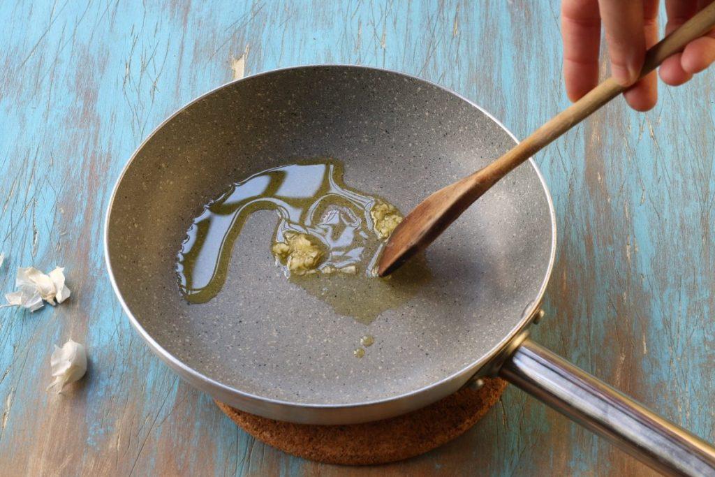 soffriggere aglio