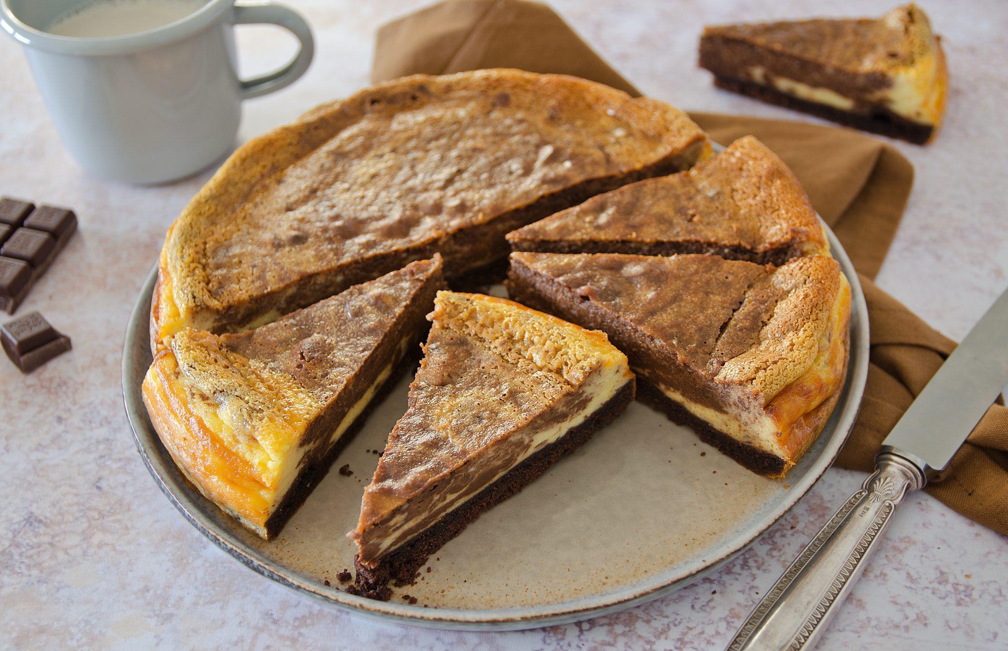 Cheesecake marmorizzata: la ricetta al forno del dolce variegato al cacao