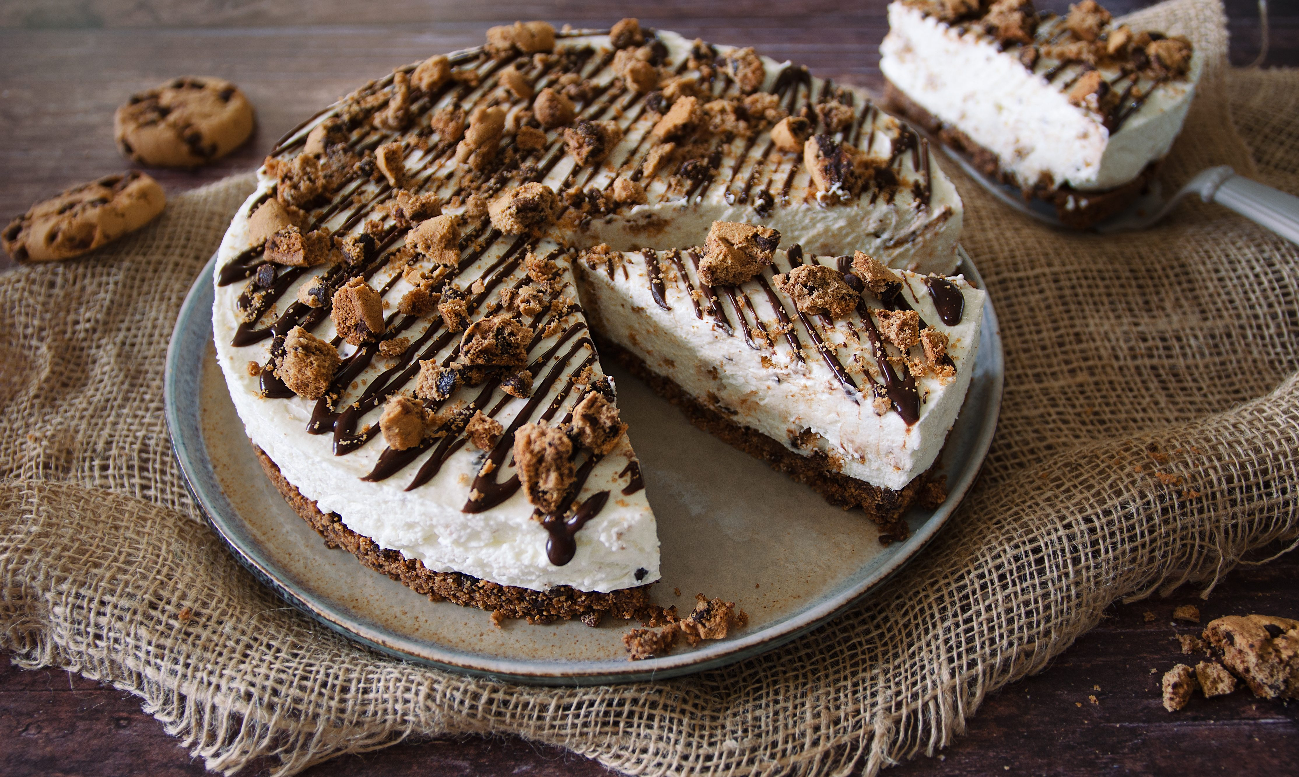 Cookies cheesecake: la ricetta con i biscotti americani al cioccolato