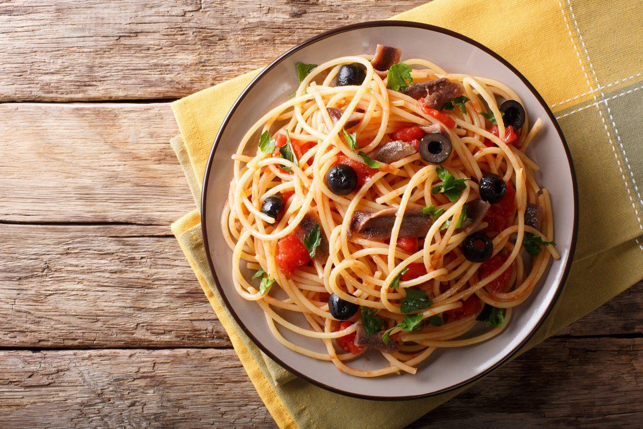 Spaghetti alla zingara: la ricetta del primo piatto semplice e veloce