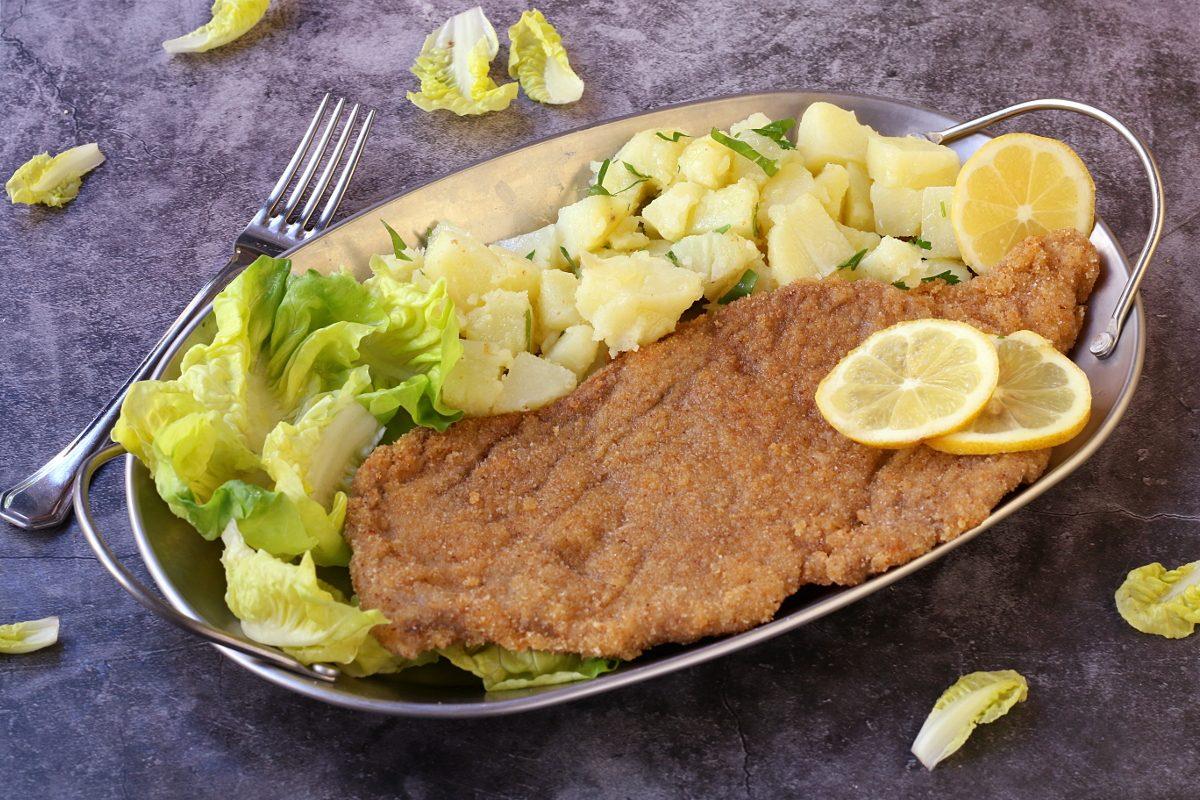 Wiener Schnitzel: la ricetta della celebre cotoletta alla viennese