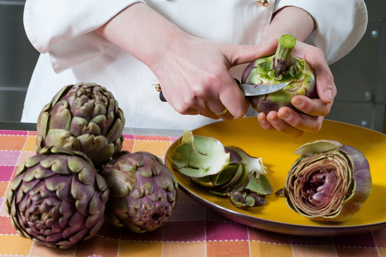 Come eliminare le macchie di ortaggi e spezie dalle mani