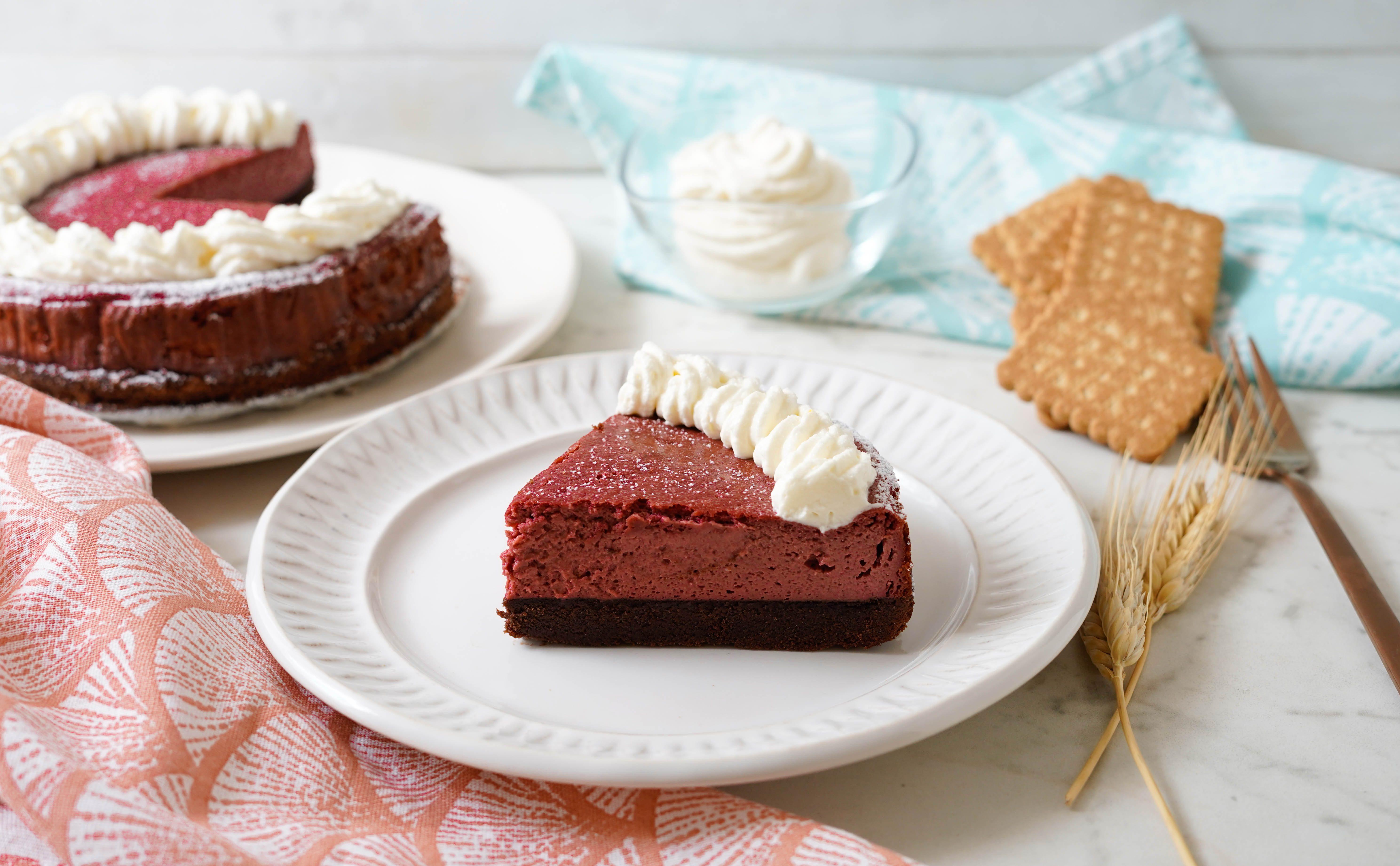 Red Velvet cheesecake: la ricetta del dessert goloso e d'effetto