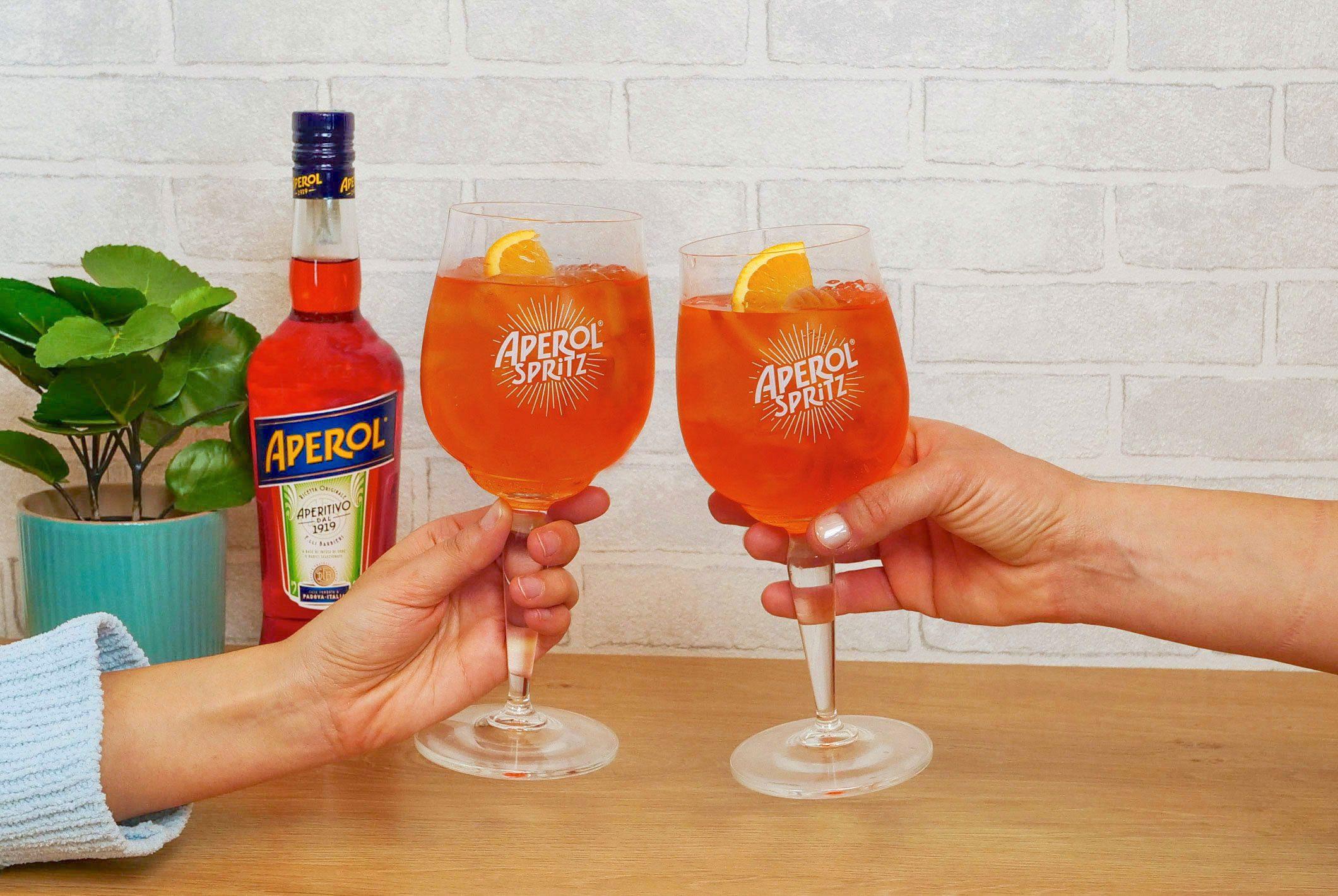 Anche a casa, l'aperitivo è perfetto con Aperol Spritz