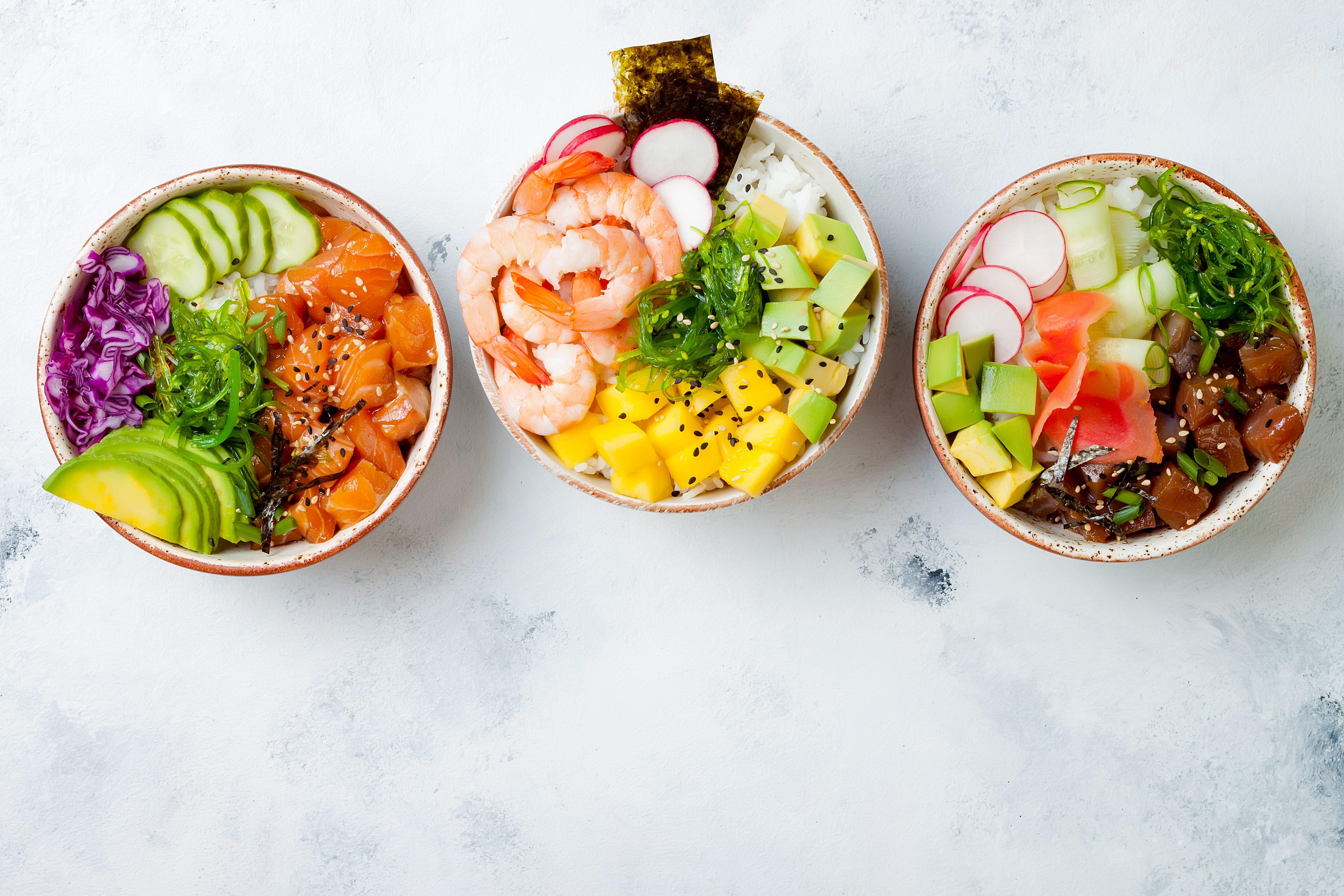Poke bowl: la vera storia di un piatto hawaiano che ha cambiato identità