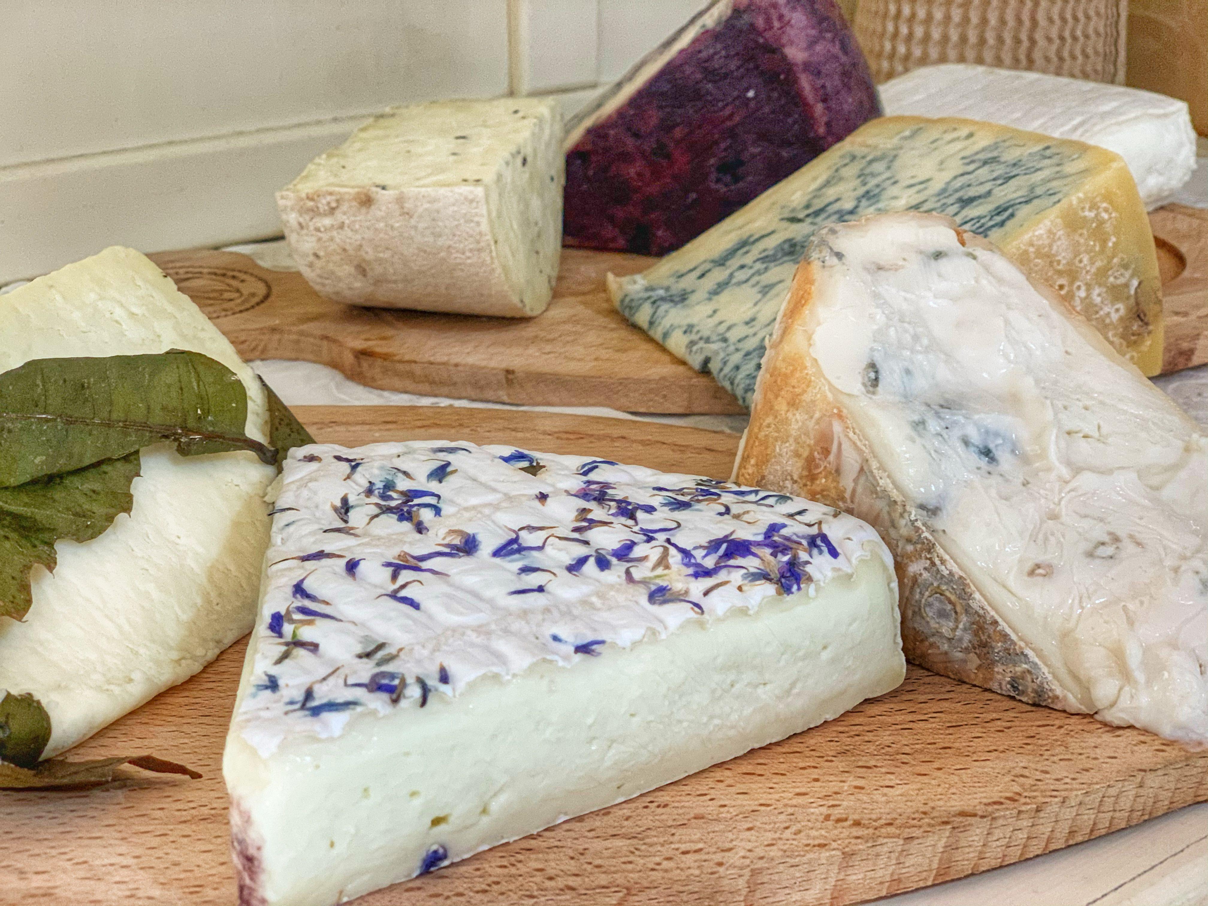 Non solo mozzarella: tutto quello che c'è da sapere sui formaggi di bufala