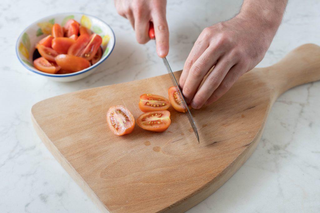 tagliare pomodorini