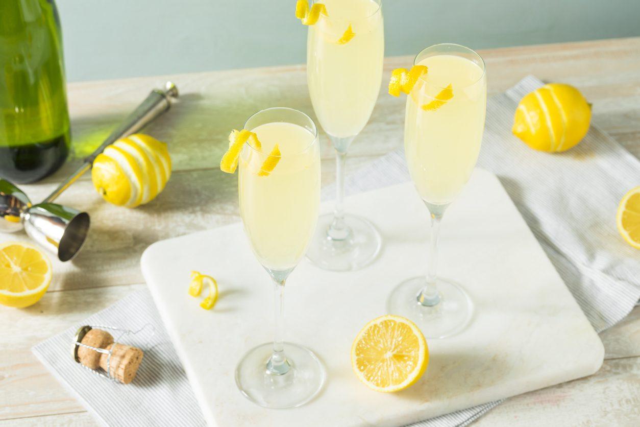 French 75: la ricetta e la storia del cocktail a base di gin e champagne
