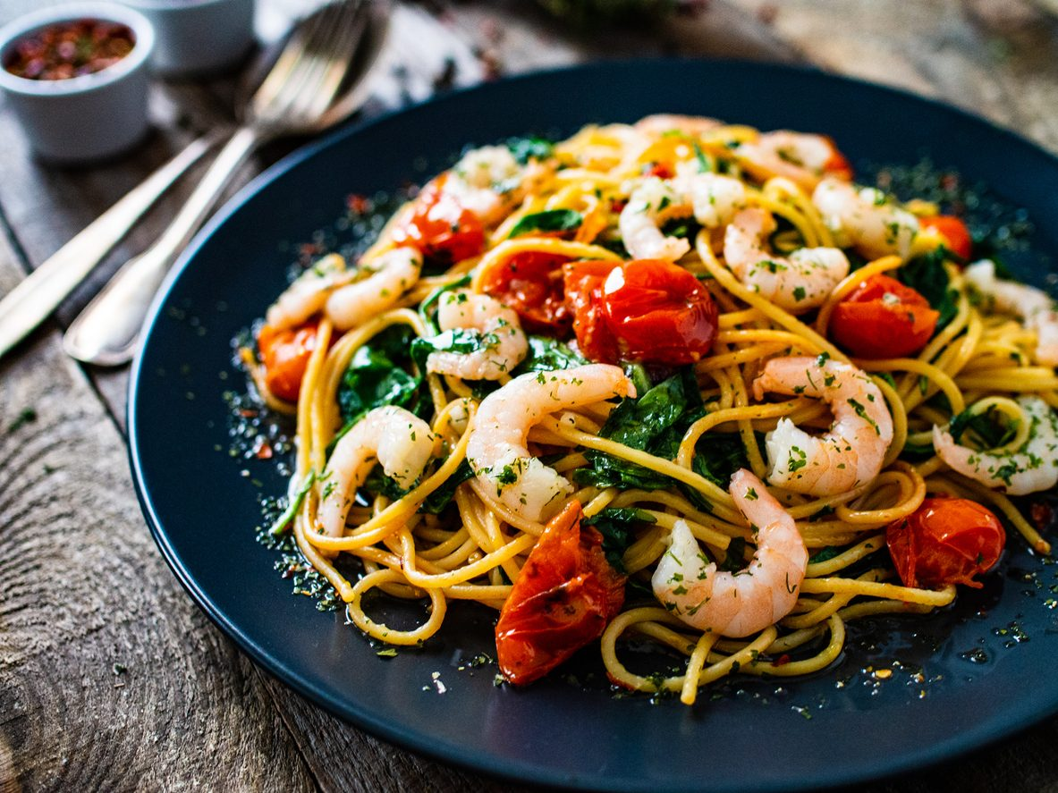 Pasta gamberi e pomodorini: la ricetta del primo piatto veloce e saporito