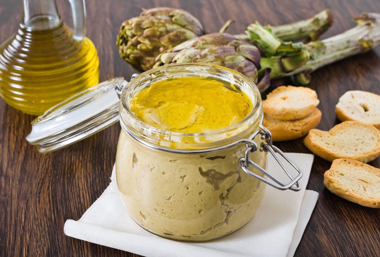 Pesto di carciofi: la ricetta del condimento gustoso dal sapore delicato