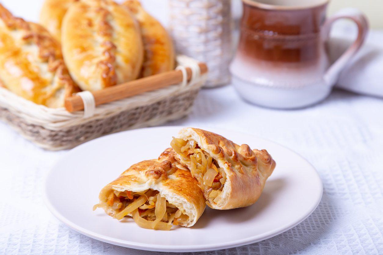 Pirozhki: la ricetta dei fagottini ripieni tipici della tradizione russa