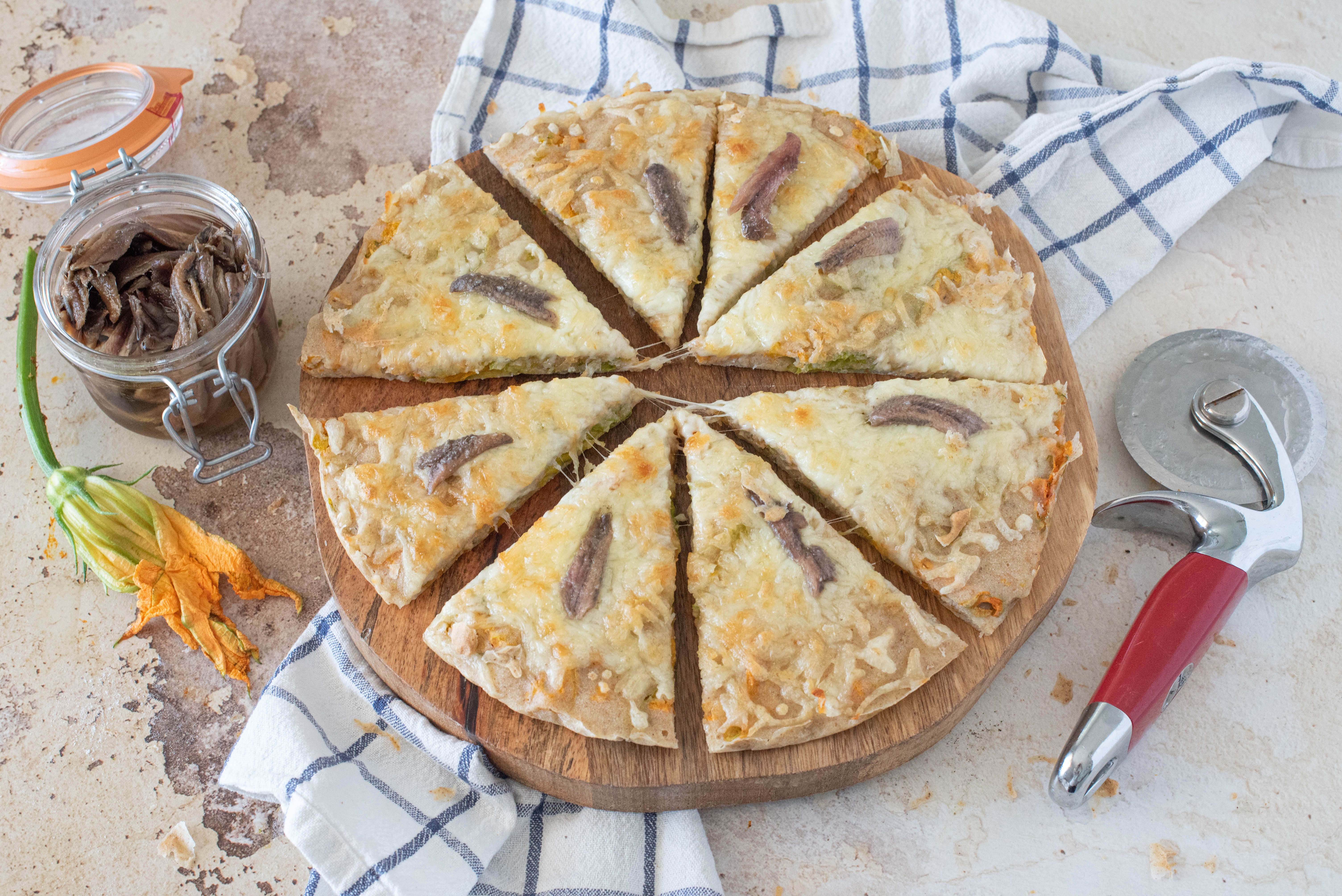Pizza di fiori di zucca di mamma Graziella: la ricetta del piatto semplice e irresistibile
