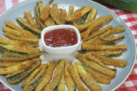 Stick di zucchine al forno: la ricetta della pietanza sfiziosa e croccante