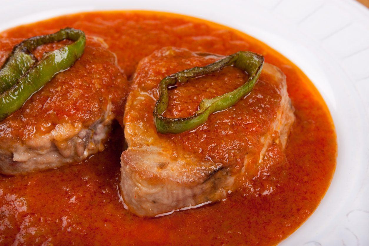 Tonno alla carlofortina: la ricetta del secondo piatto sardo tipico di Carloforte