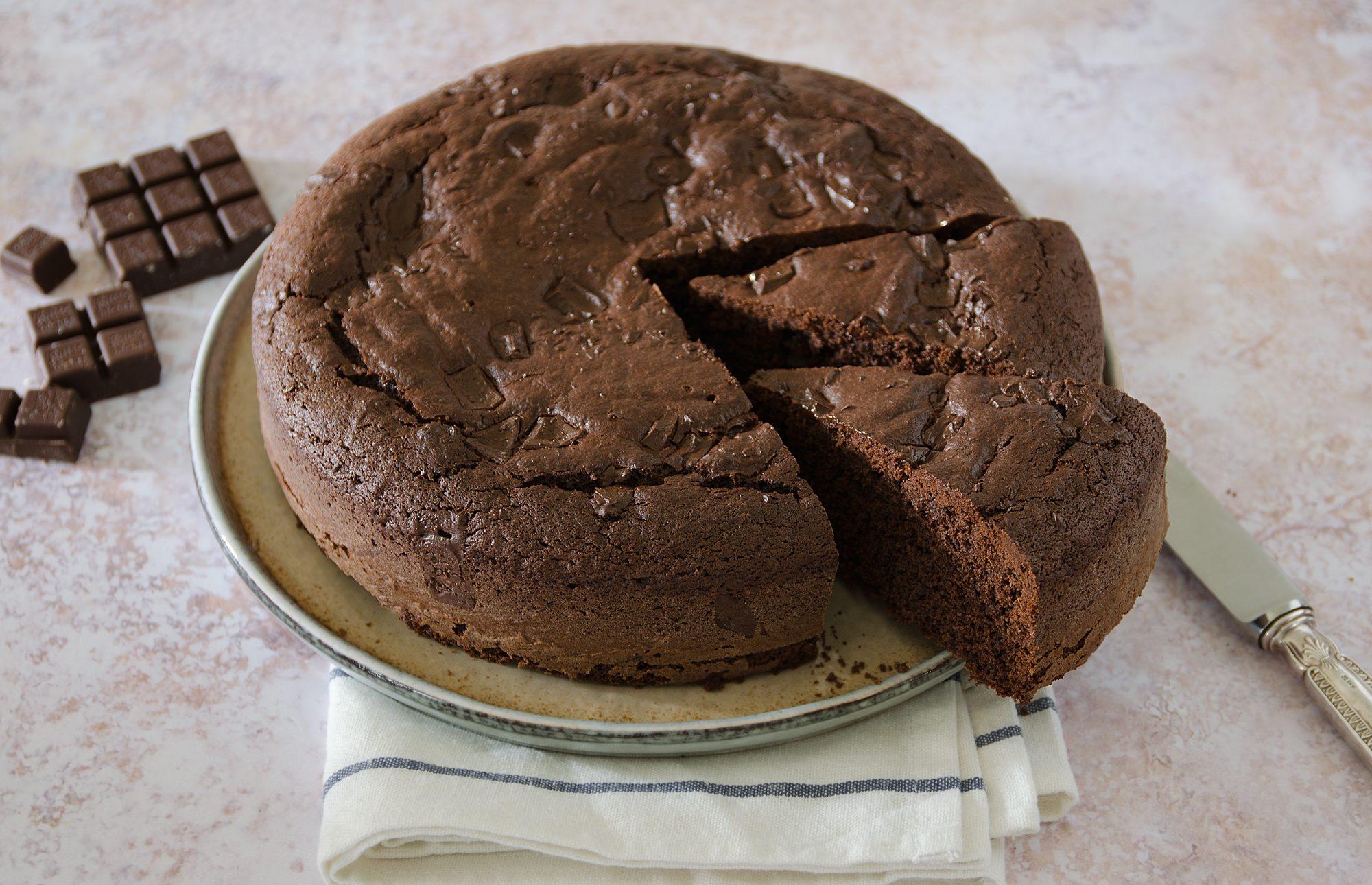 Torta al cioccolato: la ricetta del dolce soffice e goloso